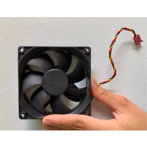 Pruebas de vibración en ventiladores de escritorio con el analizador 2250H de Brüel & Kjaer