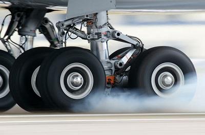Midiendo vibraciones en un neumático de avión con un vibrómetro 3-D