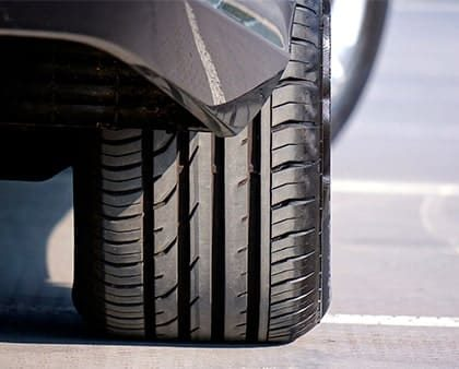 Medición de ruido y vibración en neumáticos en movimiento